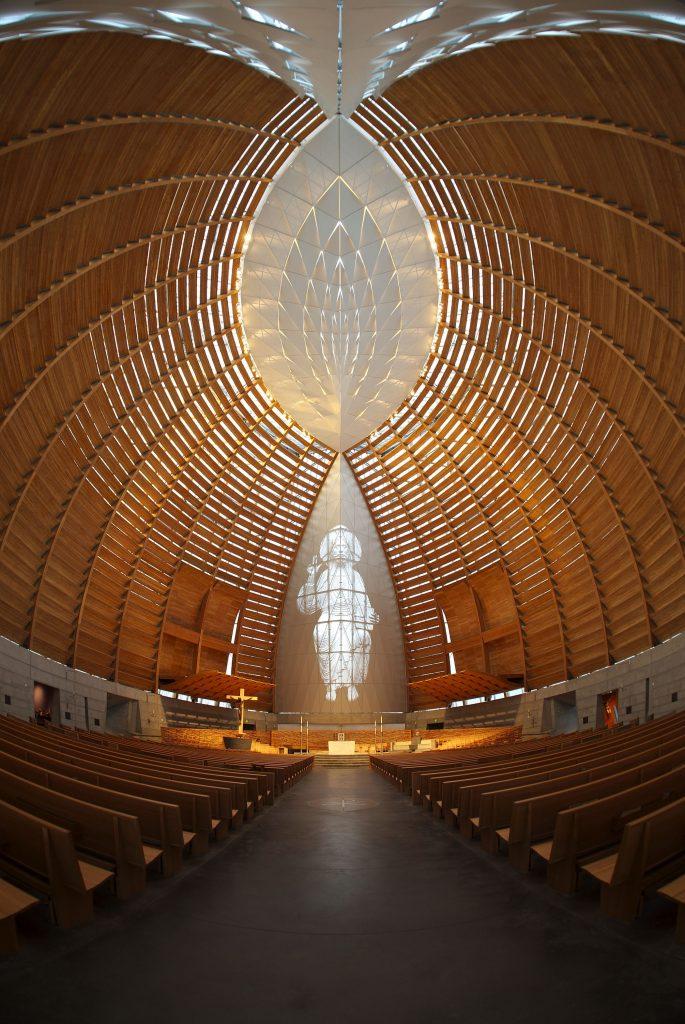 کلیسای نور مسیح معماری بایونیک